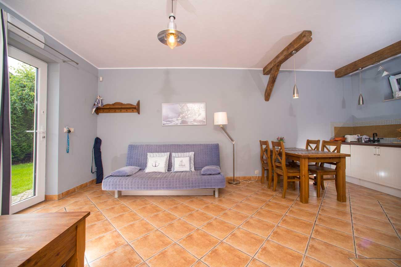 Tani apartament Muszelka widok na wnętrze pokoju