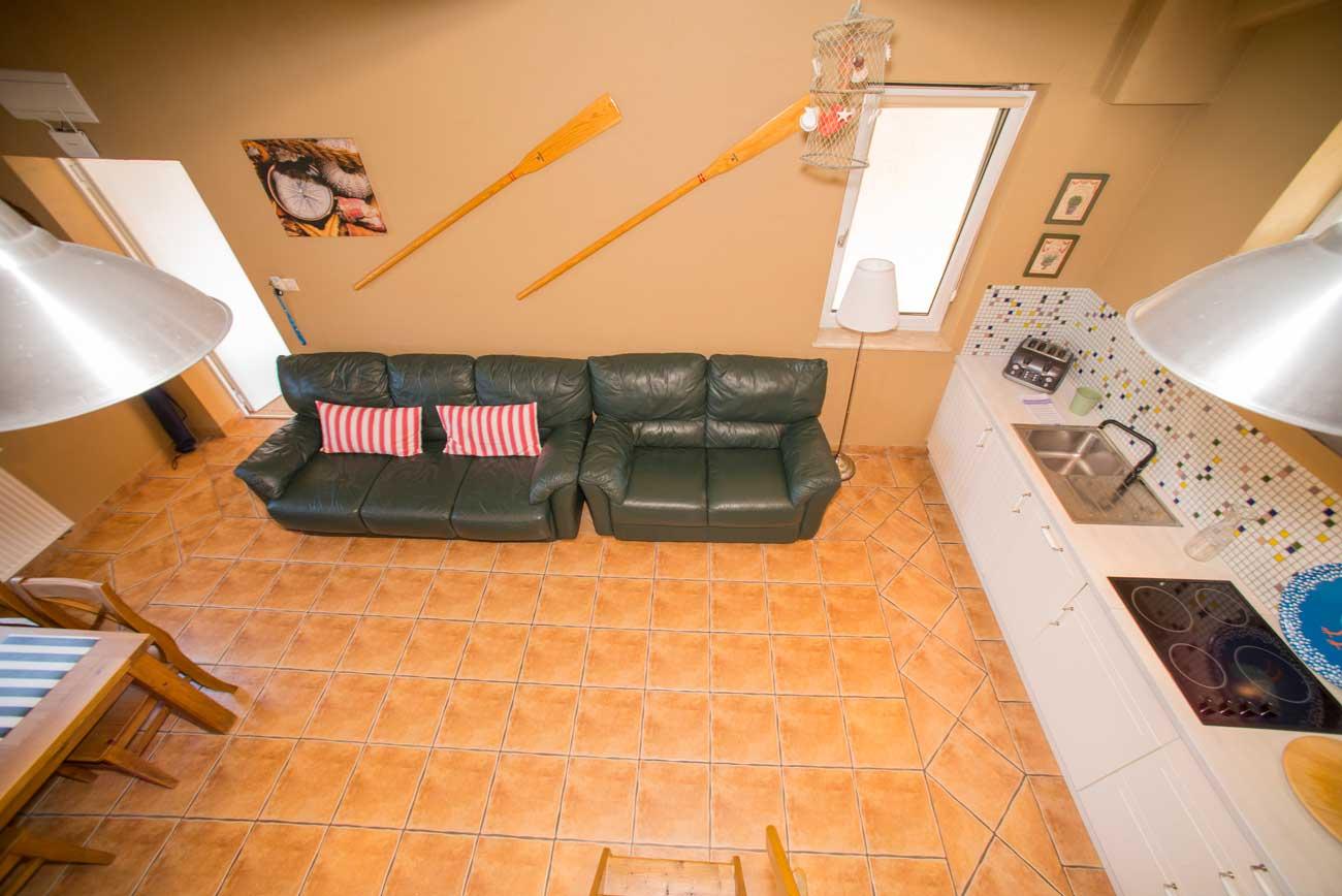 Widok z góry pokój i kuchnię w Apartamencie Róża Wiatrów , do wynajęcia