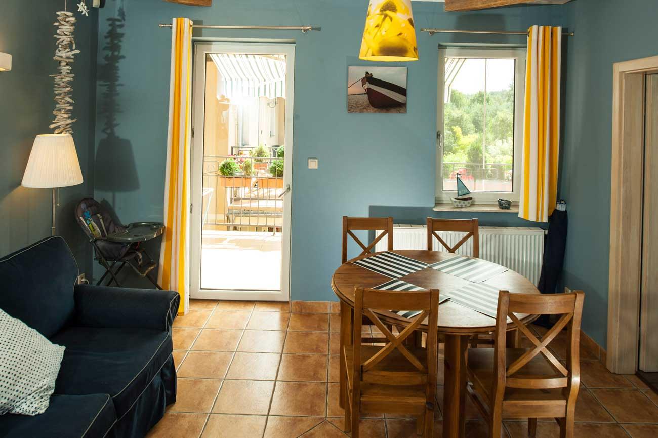 Salon i balkon w Apartamencie Toskańskim , do wynajęcia